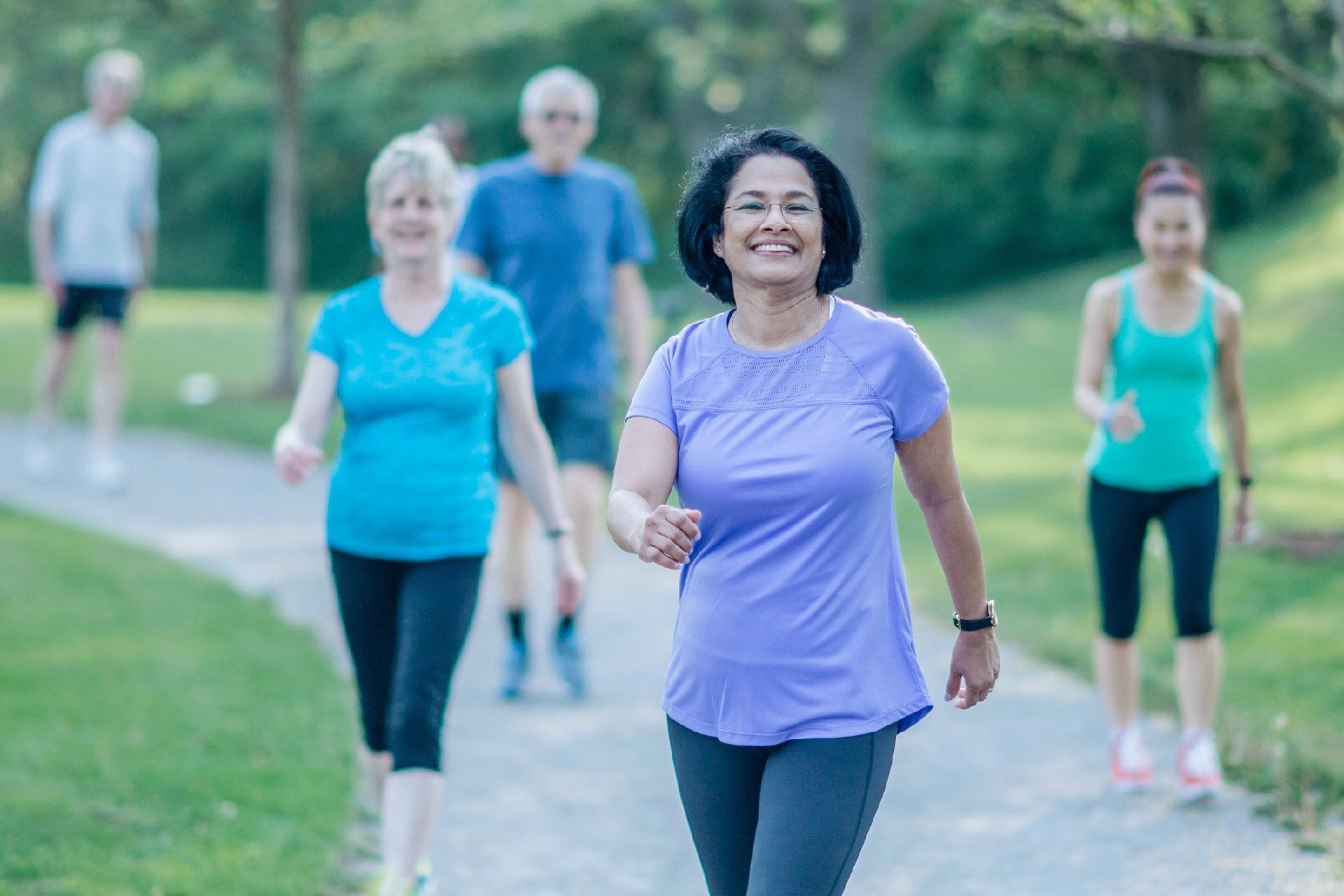ad59c60e3e8 Uma simples caminhada de 15 minutos já reduz risco de depressão -  24 02 2019 - UOL VivaBem