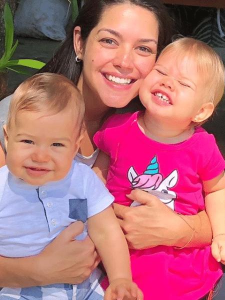Thais Fersoza posa com os filhos, Teodoro e Melinda  - Reprodução/Instagram