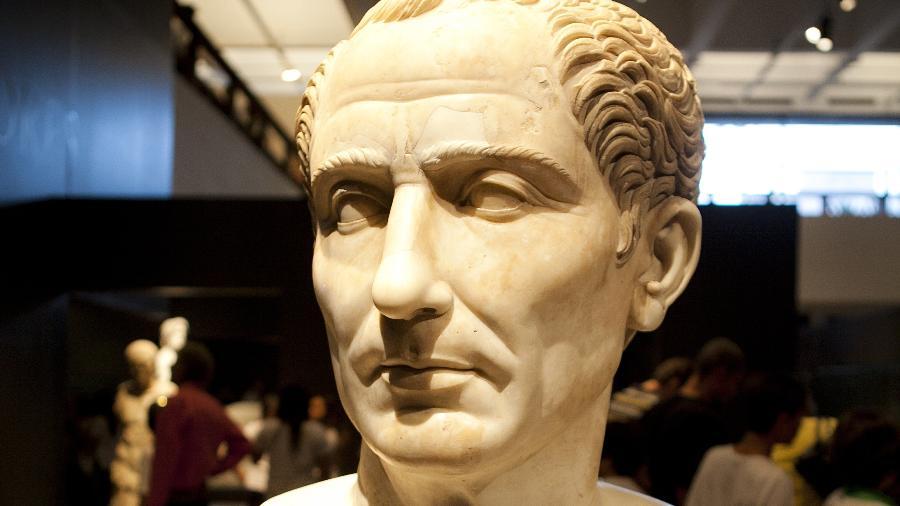 Busto do imperador Julio César - Lucas Lima/Folhapress