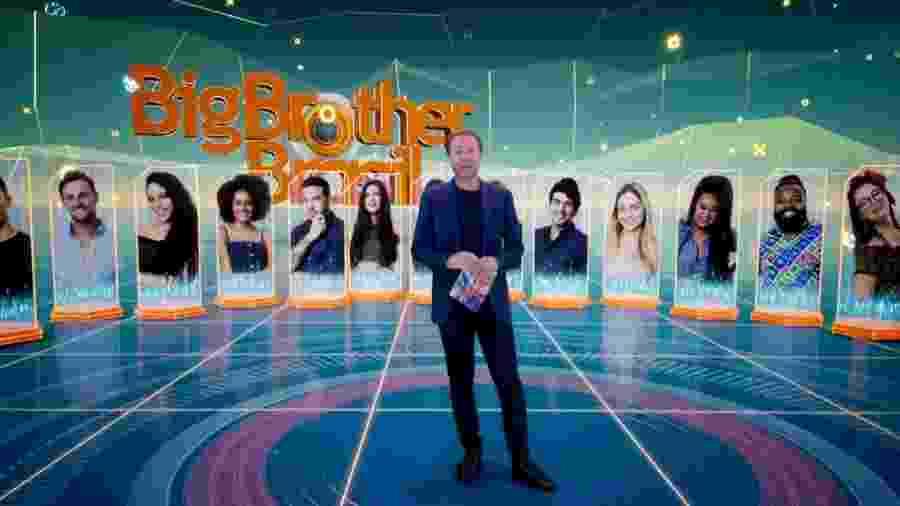 """Tiago Leifert fala com o público sobre o super paredão do """"BBB19"""" - Reprodução/TvGlobo"""