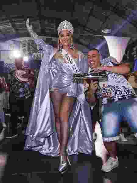 Sabrina Sato vai exibir preparativos do Carnaval em tempo real no ... eac8eca6de