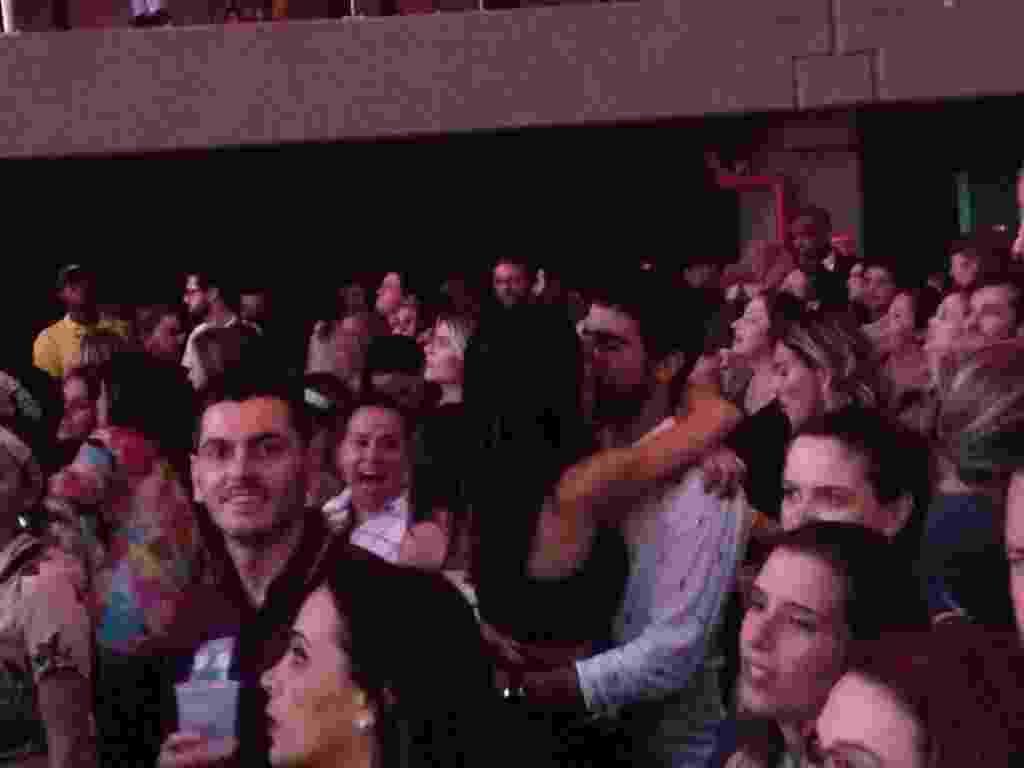 Thaila Ayala e Renato Goes incendeiam cercadinho em show de Sandy e Junior - Carolina Farias/UOL