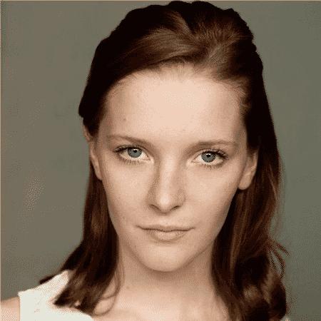 A atriz Morfydd Clark - Reprodução
