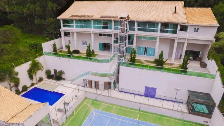 Nova mansão fica em Carapicuíba, na Grande São Paulo - Reprodução