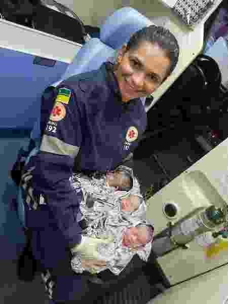 Socorrista segura trigêmeos nascidos em Boa Vista - Reprodução / Prefeitura de Boa Vista / Samu