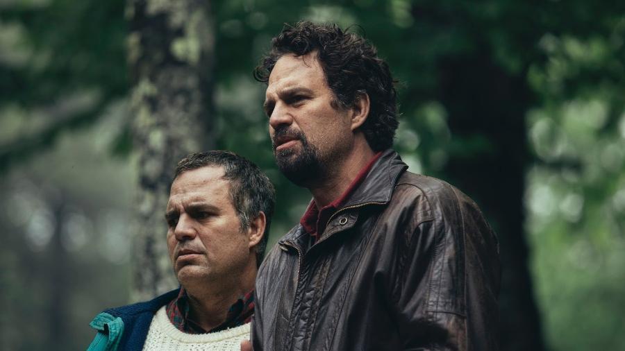 """Mark Ruffalo como Thomas e Dominick em """"I Know This Much is True"""" - Divulgação"""