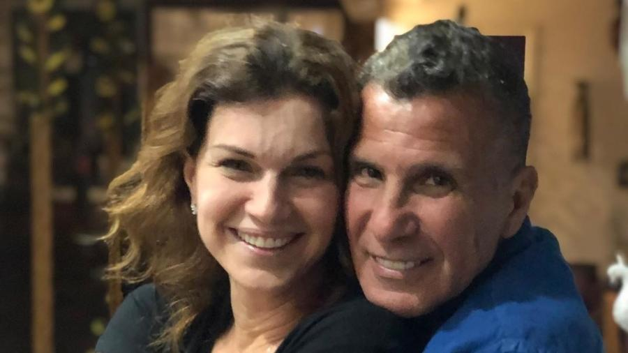 Eri Johnson e Adriana Garambone sorriem em foto juntos - Reprodução/Instagram