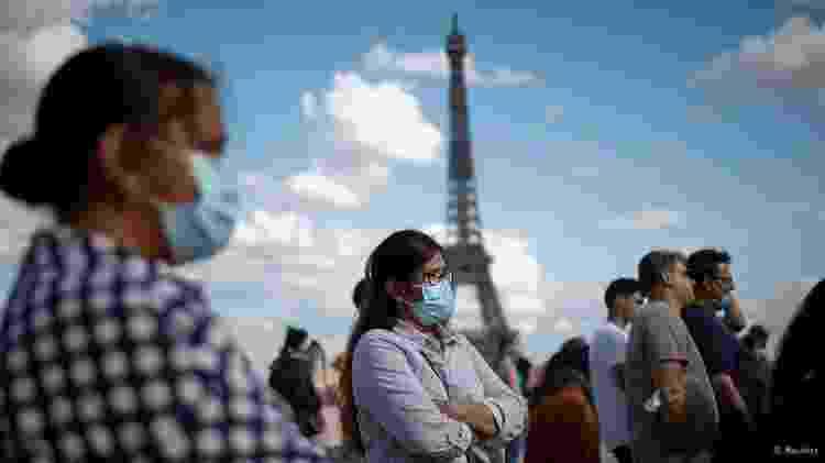 Os vírus detectam erros em seu código genético à medida que se espalham, portanto, em alguns casos, é possível simplesmente esperar que eles desapareçam - Reuters - Reuters