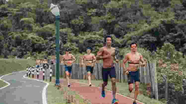 Thiago Vinhal - correndo com grupo em Maiorca - BRSK Photo/Strava - BRSK Photo/Strava