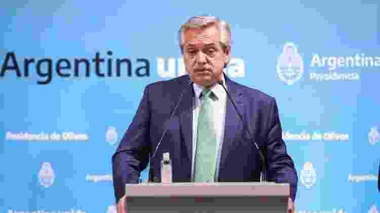 Desde que assumiu, o presidente Alberto Fernández aplicou medida para tentar brecar a saída de dólares - EPA - EPA