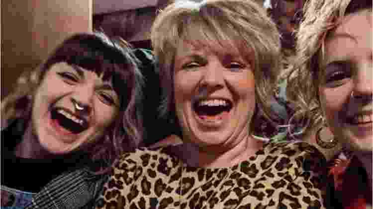 Julie com Loretta (à direita) e Abbie - Arquivo pessoal - Arquivo pessoal