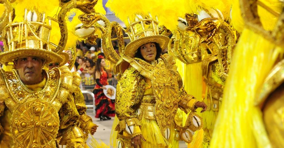 07.fev.2016 - Ala da Mocidade Alegre que homenageia Chiquinha Gonzaga, sambista que criou marchinhas de carnaval