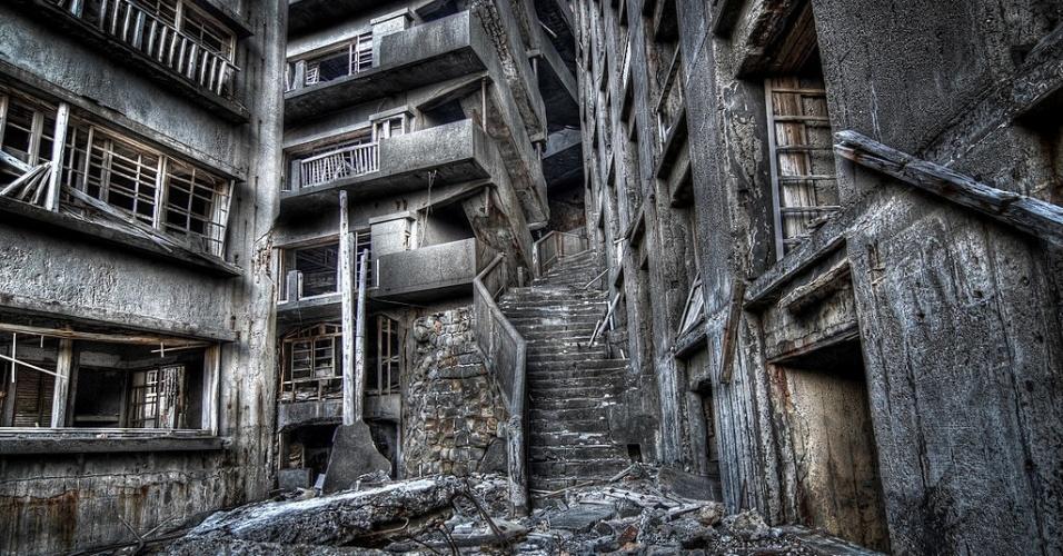 Gunkanjima seria um ótimo cenário para um filme de terror