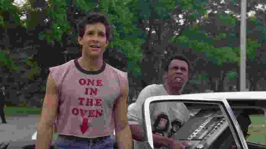 """Steve Guttenberg (à esquerda) em """"Loucademia de Polícia"""" - Reprodução"""