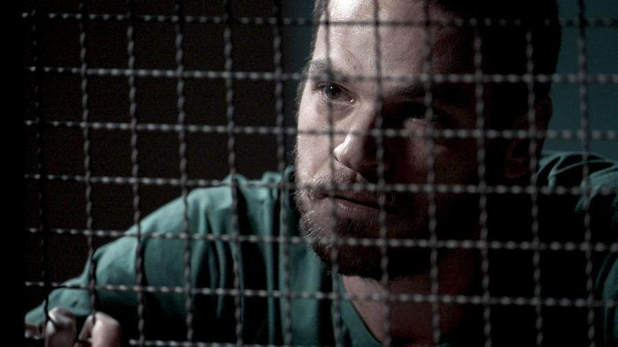 """Rubinho finalmente confessa para Bibi que está envolvido com tráfico de drogas em """"A Força do Querer"""" - Gshow/TV Globo"""