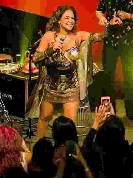 Daniela Mercury se apresenta no Masp com os seios pintados - Célia Santos/Divulgação