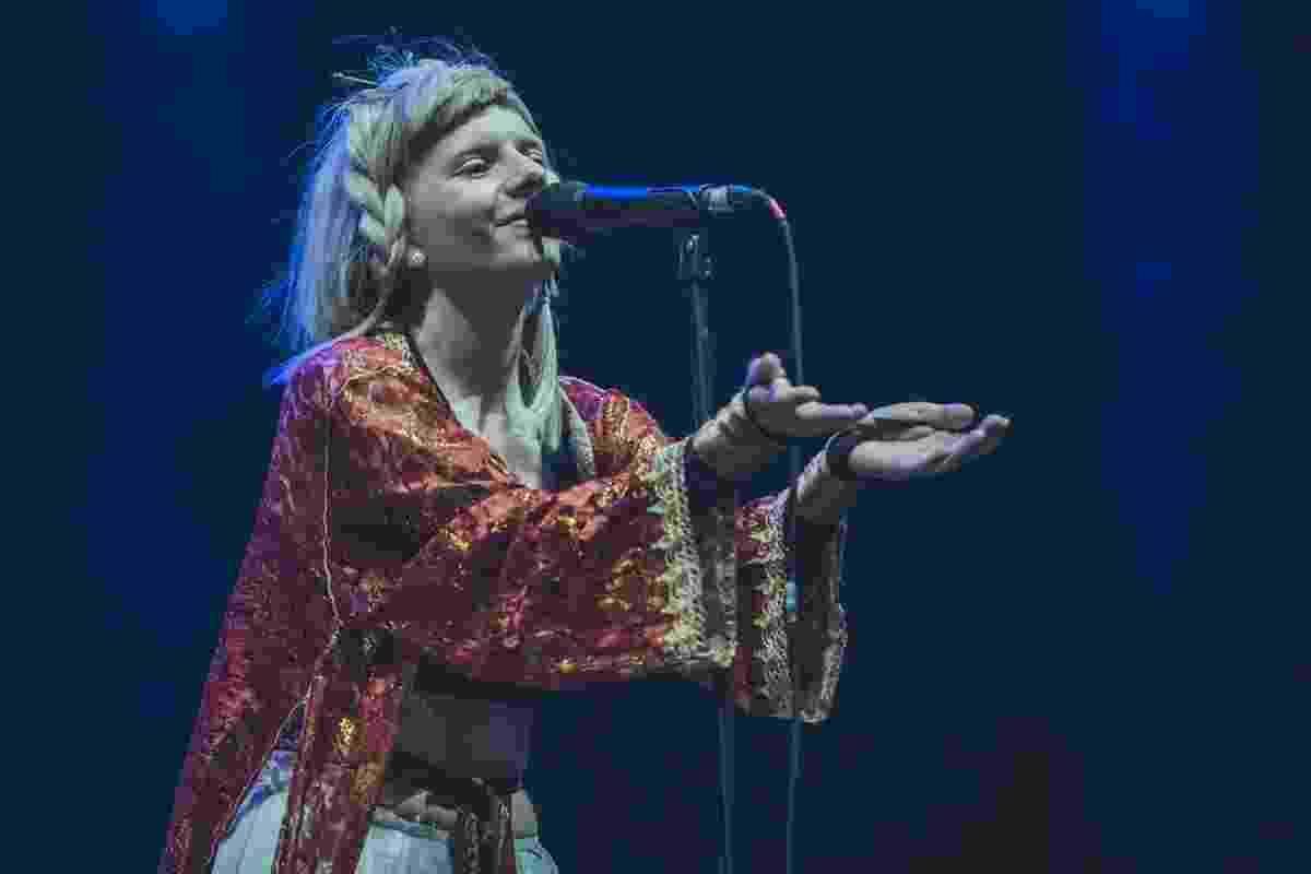 Aurora se apresenta no Lollapalooza Brasil 2018 - Mila Maluhy/Divulgação