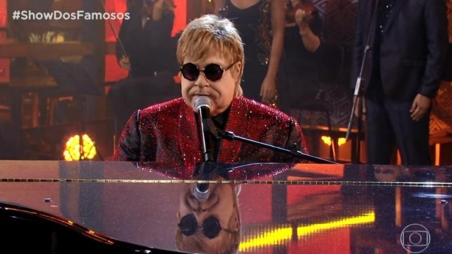 """Tiago Abravanel faz homenagem a Elton John no """"Show dos Famosos"""" - Reprodução/Globo"""
