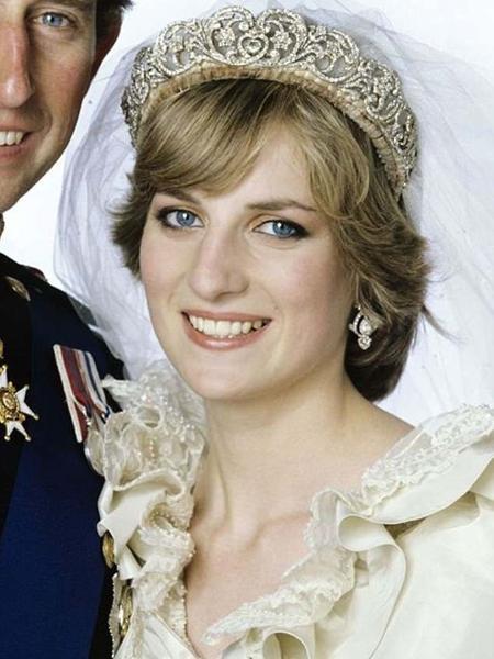 A tiara Spencer, usada por Diana em foto de 1981, durante casamento com príncipe Charles - Getty Images