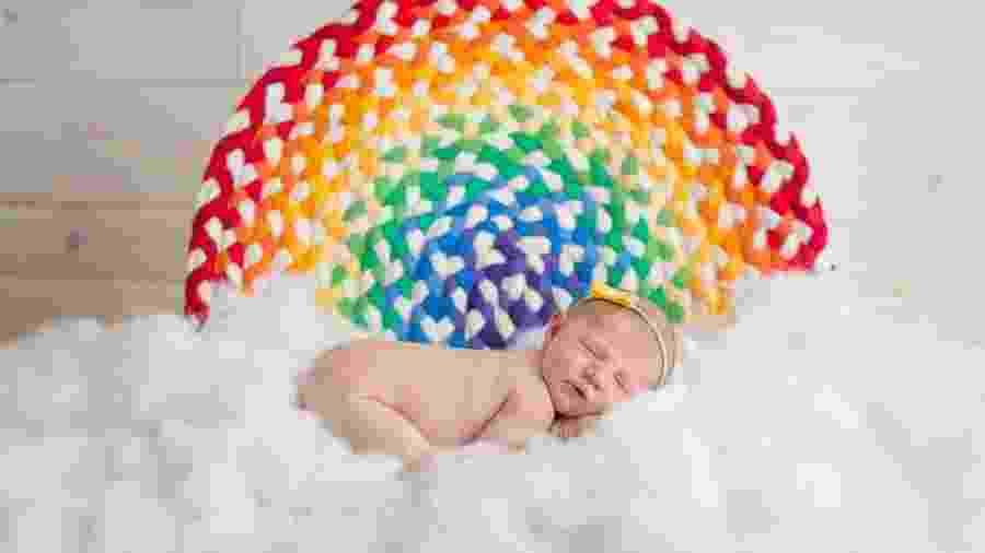 Bebê arco-íris - Finn Photography