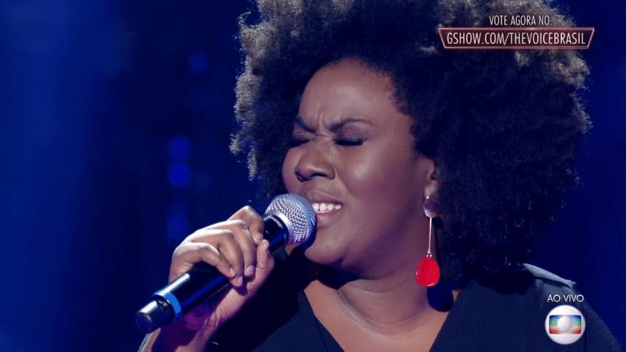 "A candidata Damiana Sadili se apresenta no ""The Voice Brasil"" - Reprodução/TV Globo"