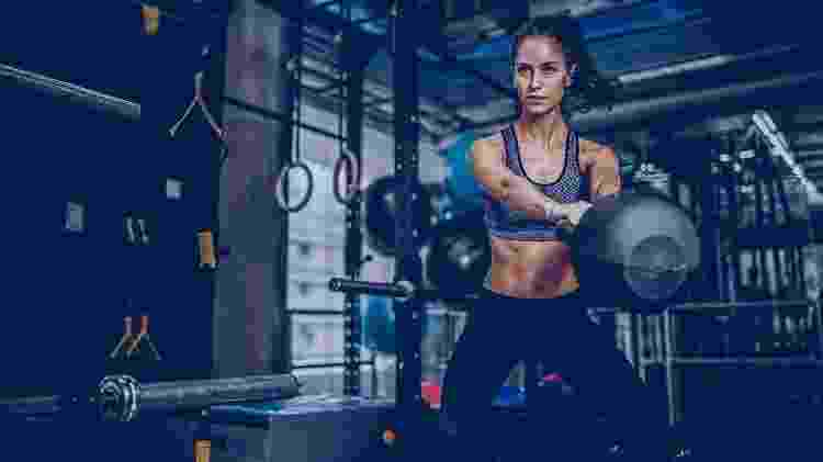 Crossfit, exercício, kettlebell, treino - iStock - iStock