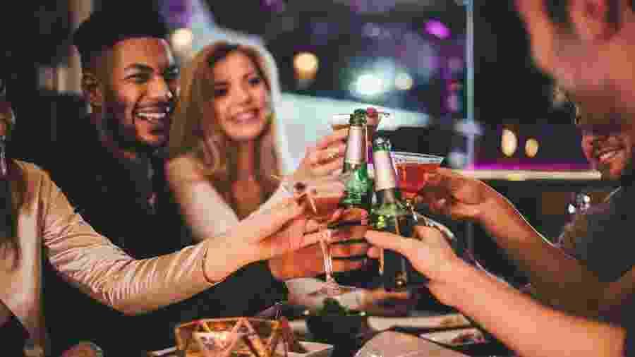 As festas do final de ano pedem comemoração, mas não é o momento de distrações - iStock