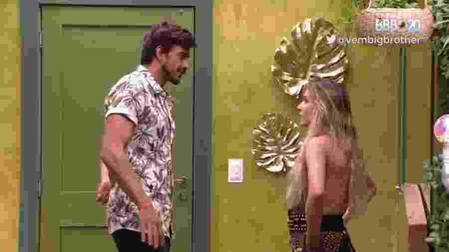 BBB 20 - Guilherme e Gabi conversam - Reprodução/Globoplay