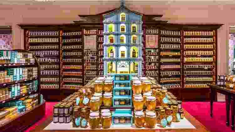 Fortnum & Mason, oferece tudo para um chá das cinco digno da realeza - Divulgação/VisitBritain