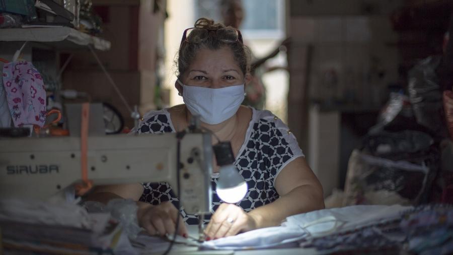 Complexo da Maré possui um polo de costureiras que tem trabalhado em máscaras durante a pandemia - Douglas Lopes/Divulgação