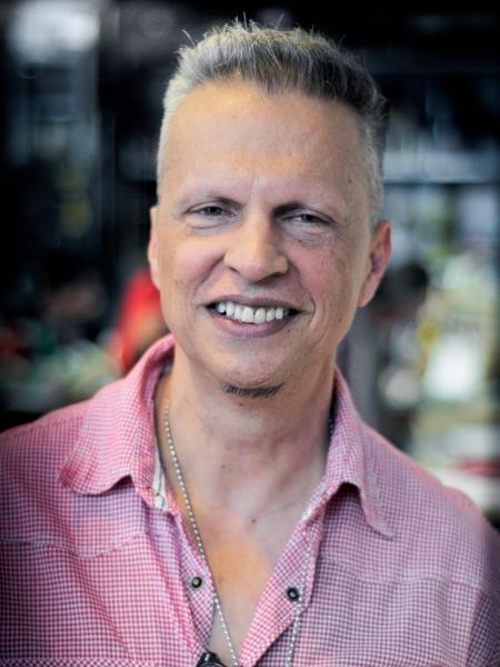 Luis Baron criou a página To Passado!? para falar sobre a vivência LGBTQIA+ após os 50. - Arquivo pessoal