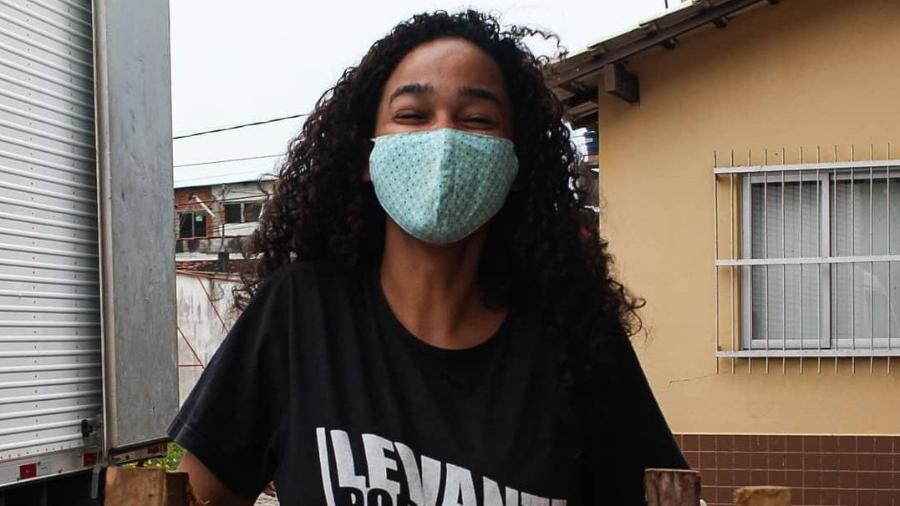 A estudante Ully Rodrigues diz que está devolvendo à sua comunidade tudo o que fizeram por ela - Levante Popular da Juventude