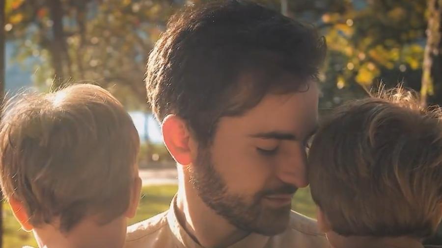 Thales Bretas com os filhos, Gael e Romeu - Reprodução/Instagram