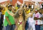 """Bethânia desfila no chão na campeã Mangueira: """"Dedico à minha mãe Canô"""" - Marcelo de Jesus/ UOL"""