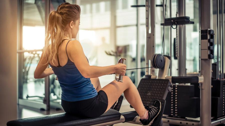 O treino para adolescente deve ser variado e gradativo; a carga deve ser bem mais amena do que a de um adulto - Getty Images