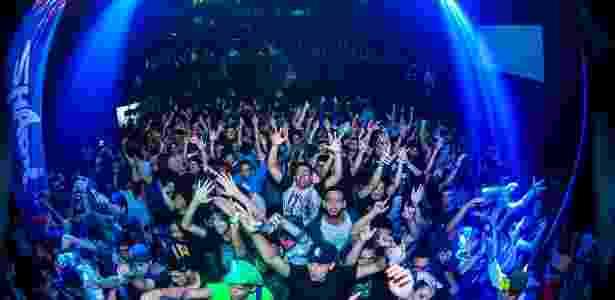 """Não é só treino e competição: pro players são celebridades em balada que reúne fãs de """"LoL"""" em São Paulo - Reprodução/Party of Legends"""