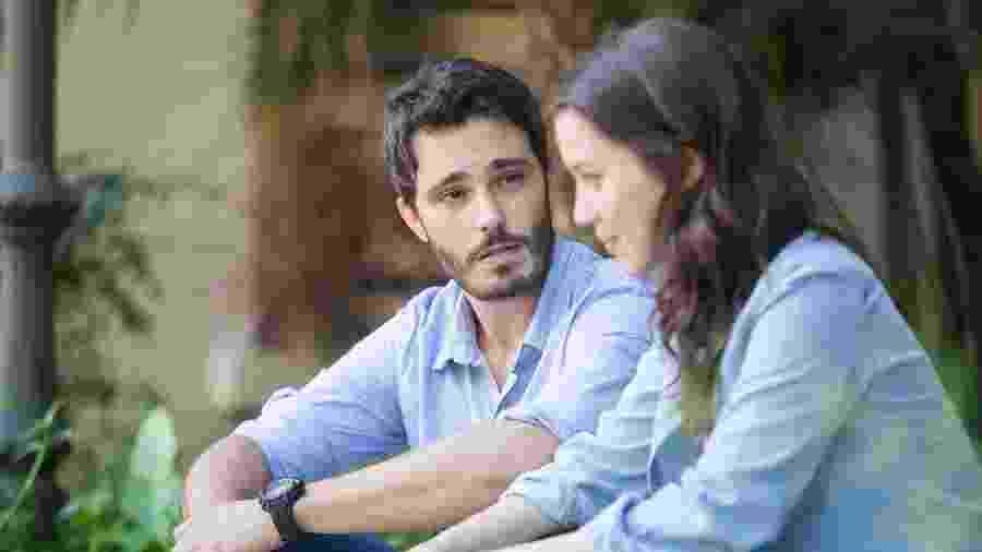 "Tiago (Thiago Rodrigues) e Júlia (Nathalia Dill) em ""Rock Story"" - Raquel Cunha/TV Globo"