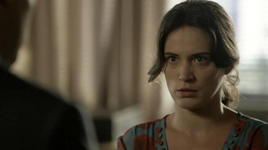 Clara procura o advogado Patrick, sobrinho de Beatriz, que se surpreende com a revelação da jovem  - Reprodução/GShow/O Outro Lado do Paraíso