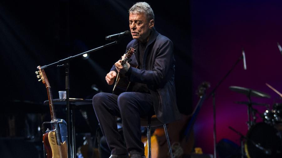 Chico Buarque apresenta para a imprensa duas canções da turnê Caravanas - Bruna Prado/UOL