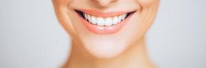 Pode isso? Startup promete dentes retos com placa de impressora 3D e consulta por selfie (Foto: Getty Images)
