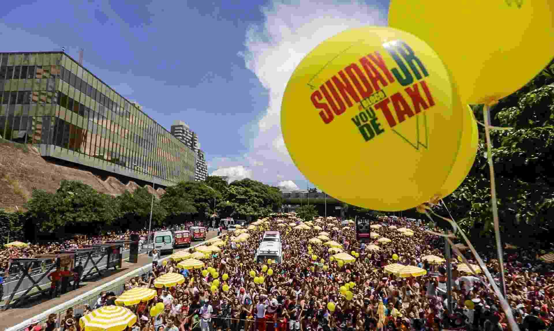 Bloco Vou de Táxi desfilou na manhã deste domingo no novo espaço dedicado ao Carnaval de São Paulo - Marcelo Justo/UOL