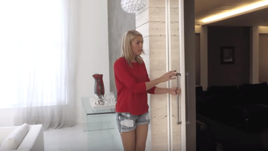 """Ana Hickmann mostra """"sala secreta"""" - Reprodução/YouTube"""