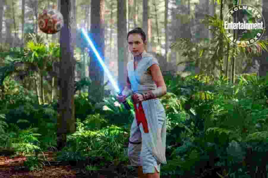 Rey (Daisy Ridley) em cena de Star Wars: A Ascensão Skywalker - Divulgação/EW