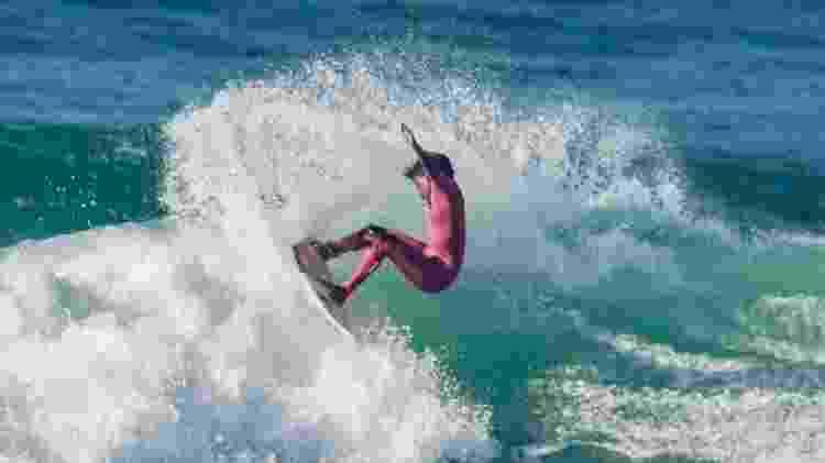 Yanca Costa, campeã do primeiro campeonato de surfe feminino virtual - Arquivo pessoal