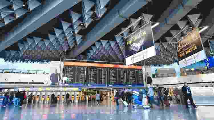 Aeroporto de Frankfurt, na Alemanha, está vazio por conta do coronavírus  - Getty Images - Getty Images