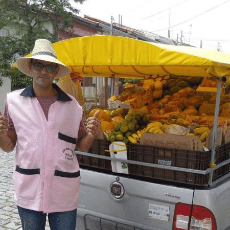 Dai vende frutas, verduras e legumes na região do Ipiranga, em São Paulo; ele teve apoio em divulgação na página Ipiranga Feelings - Reprodução | instagram.com/ipirangafeelings - Reprodução | instagram.com/ipirangafeelings