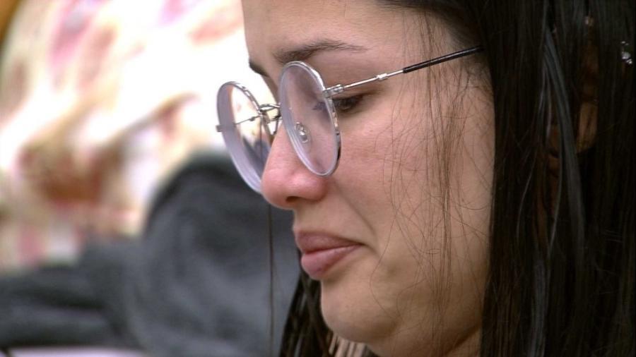 BBB 21: Juliette chora enquanto arruma as malas - Reprodução/Globoplay