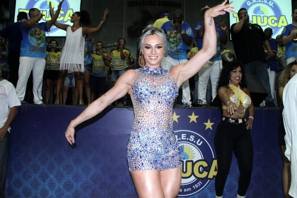 19.dez.2015 - Juju Salimeni é eleita a musa da Unidos da Tijuca, após perder o posto de rainha de bateria da Unidos do Peruche, em São Paulo, para a modelo Nuelle Alves