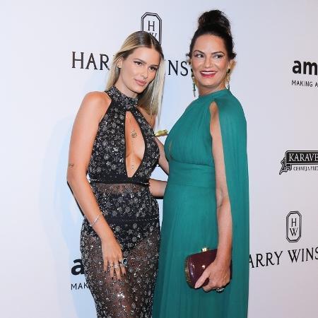 27.abr.2017 - Yasmin e Luiza Brunet no baile de gala beneficente da amfAR, em São Paulo - Francisco Cepeda e Thiago Duran / AgNews