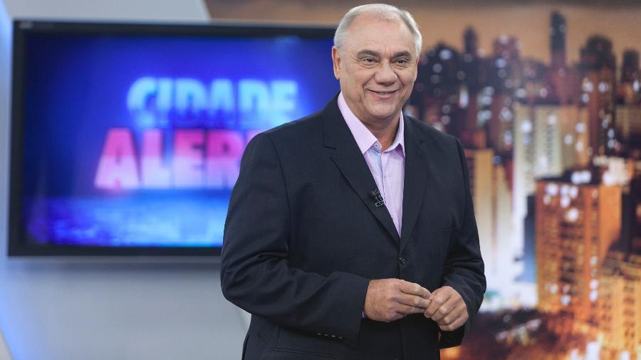 """Marcelo Rezende, no cenário do """"Cidade Alerta"""", da Record; ele morreu aos 65 anos, de câncer - Edu Moraes/Record"""